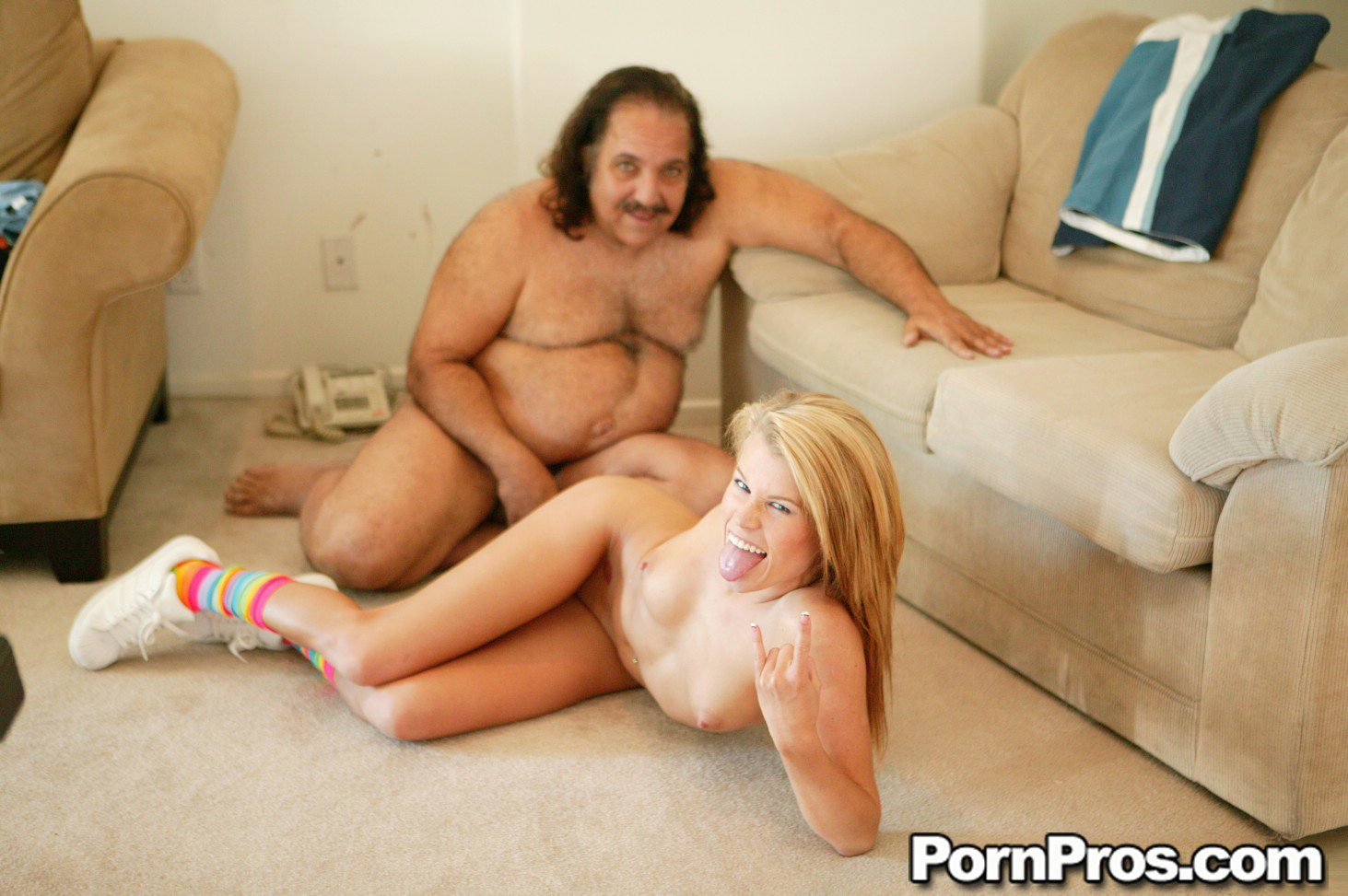 Elizabeth Berkley showgirls nude pics