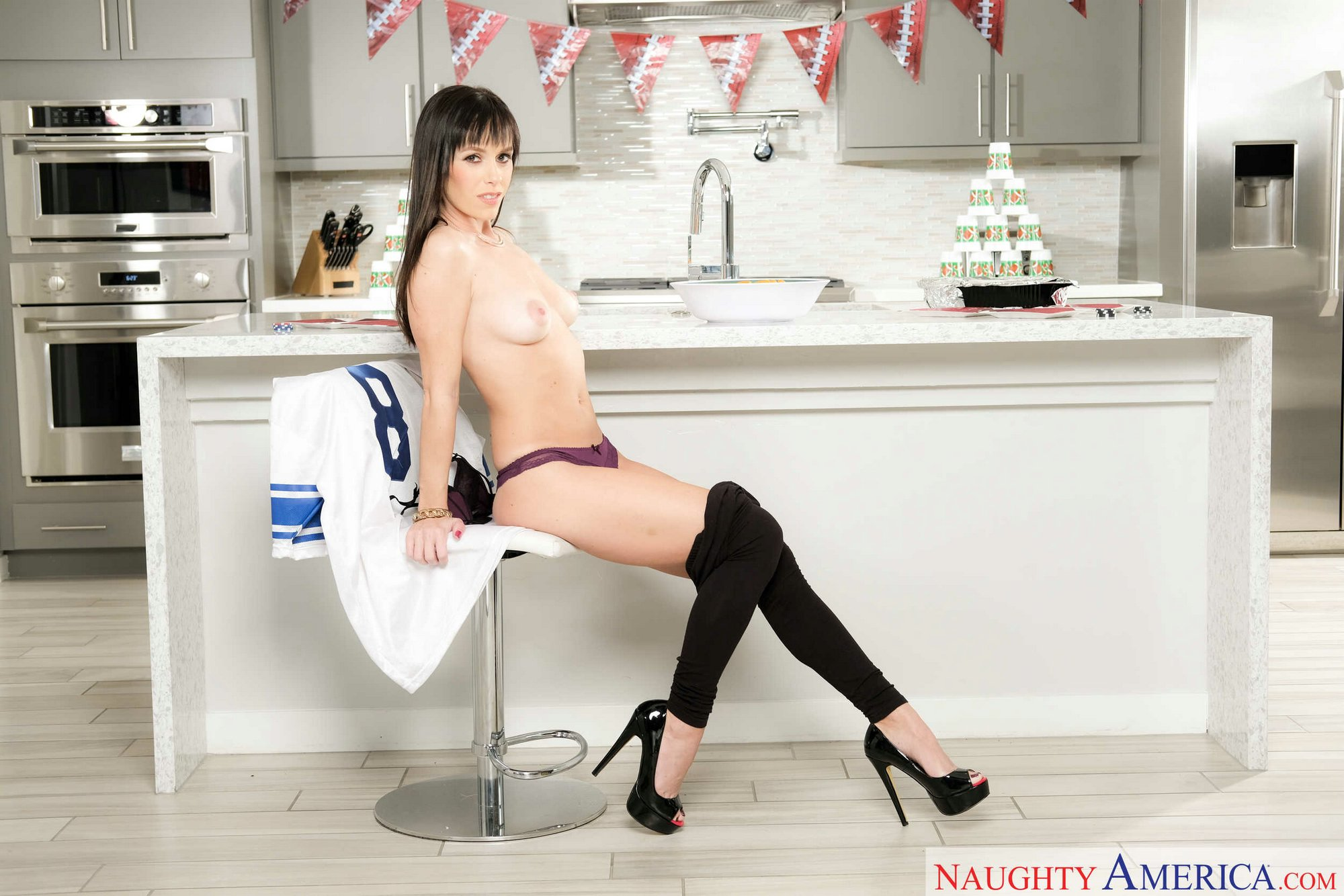 Alana Cruise in black high heels posing in the kitchen - My Pornstar ...