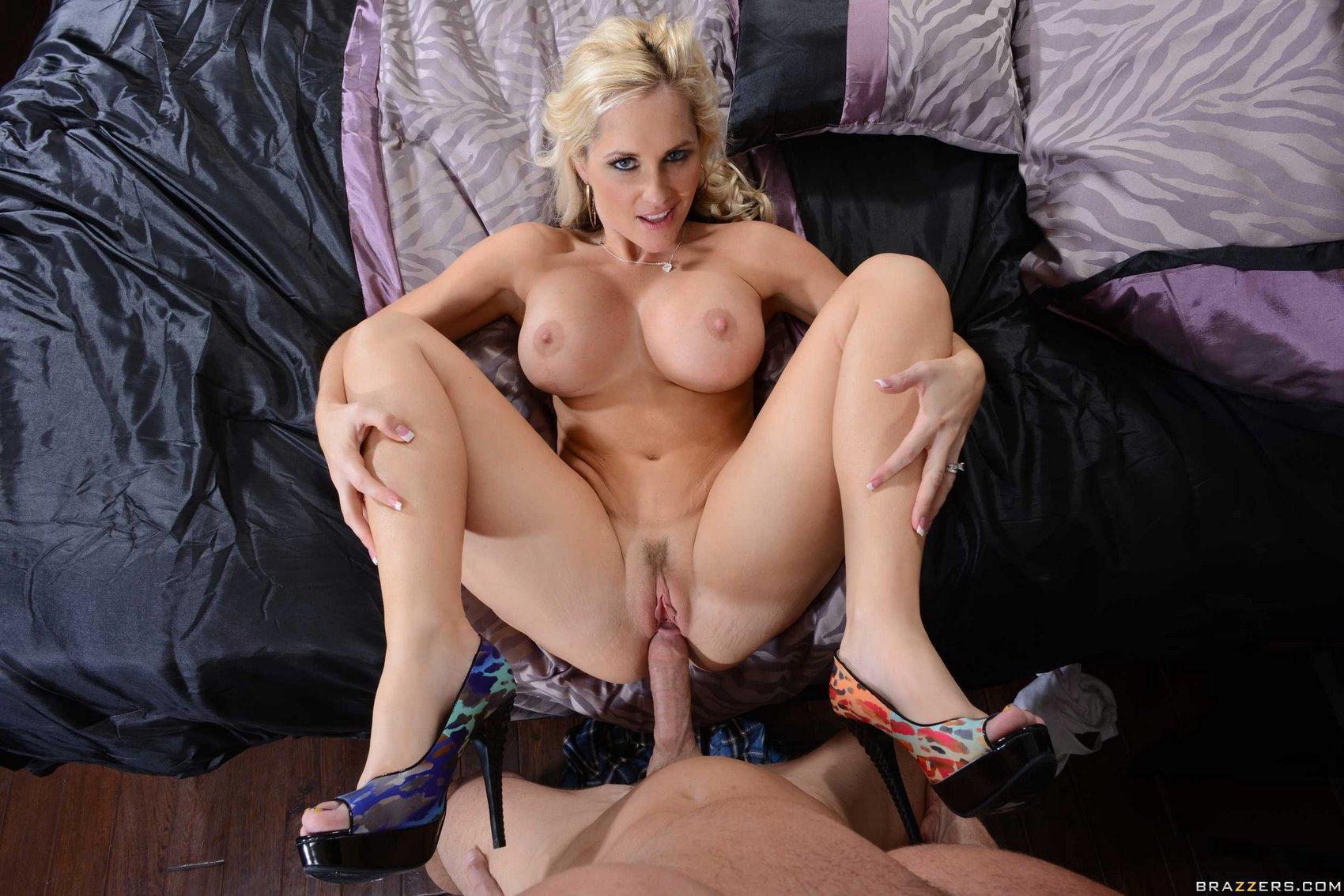 porno brunetky kyltymätön nainen