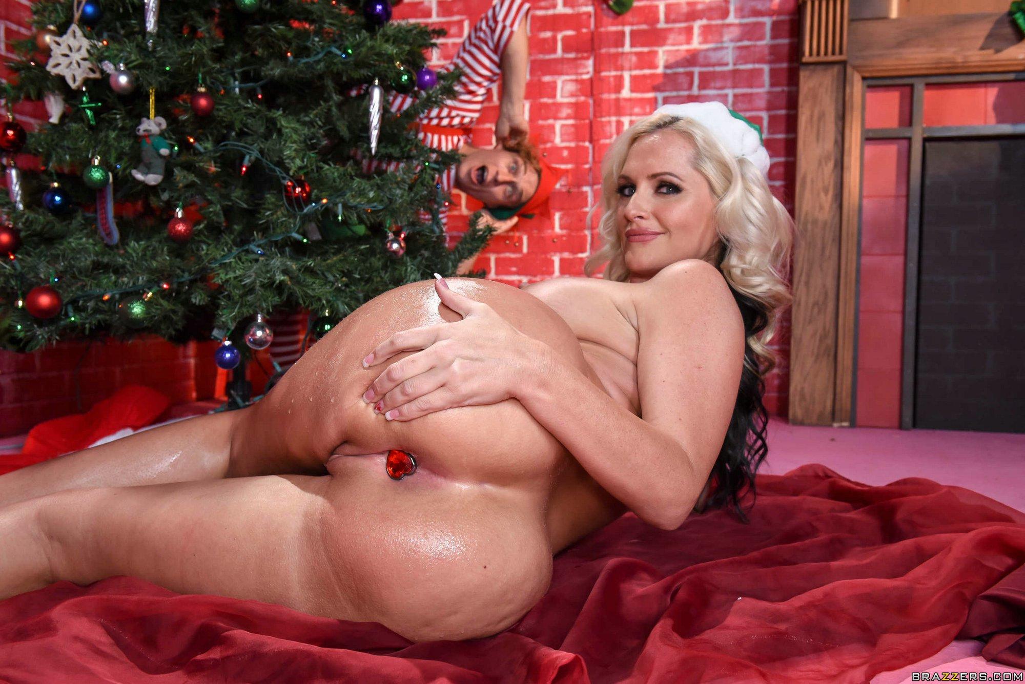 Anjelica recommend Big tits handjobs