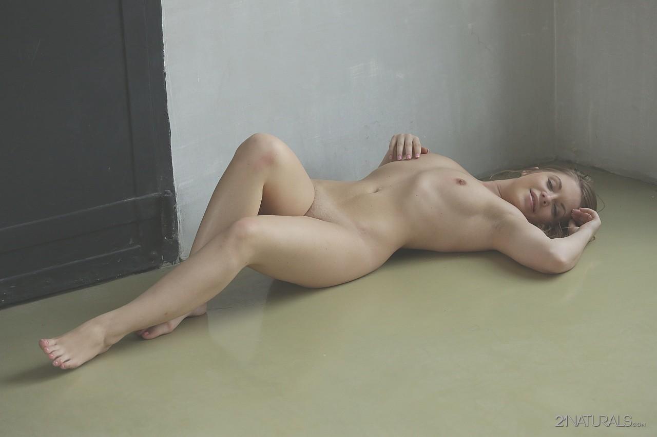 sexy blonde har fcuk
