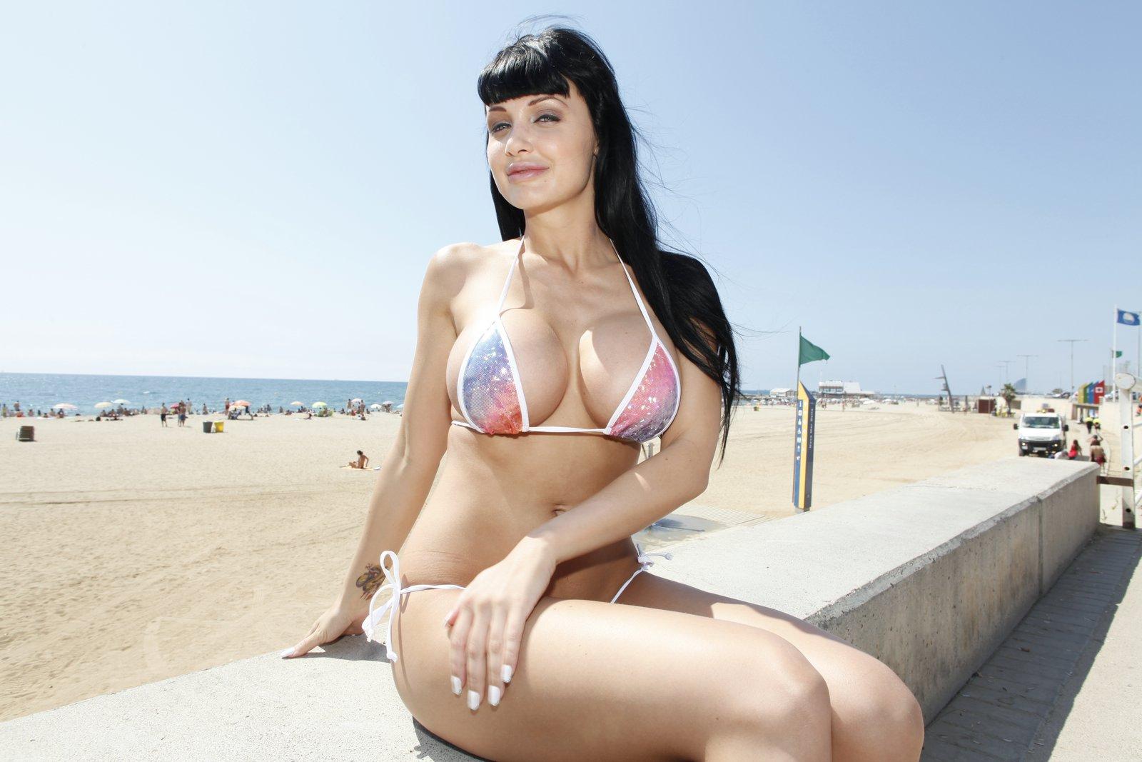 Reserve Bikini girl get fucked think