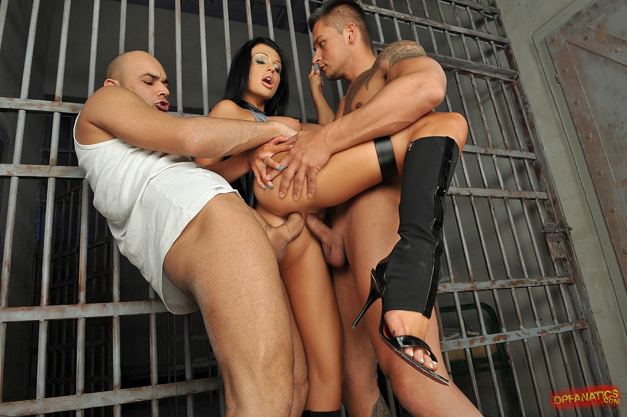 Hardcore sex in jail