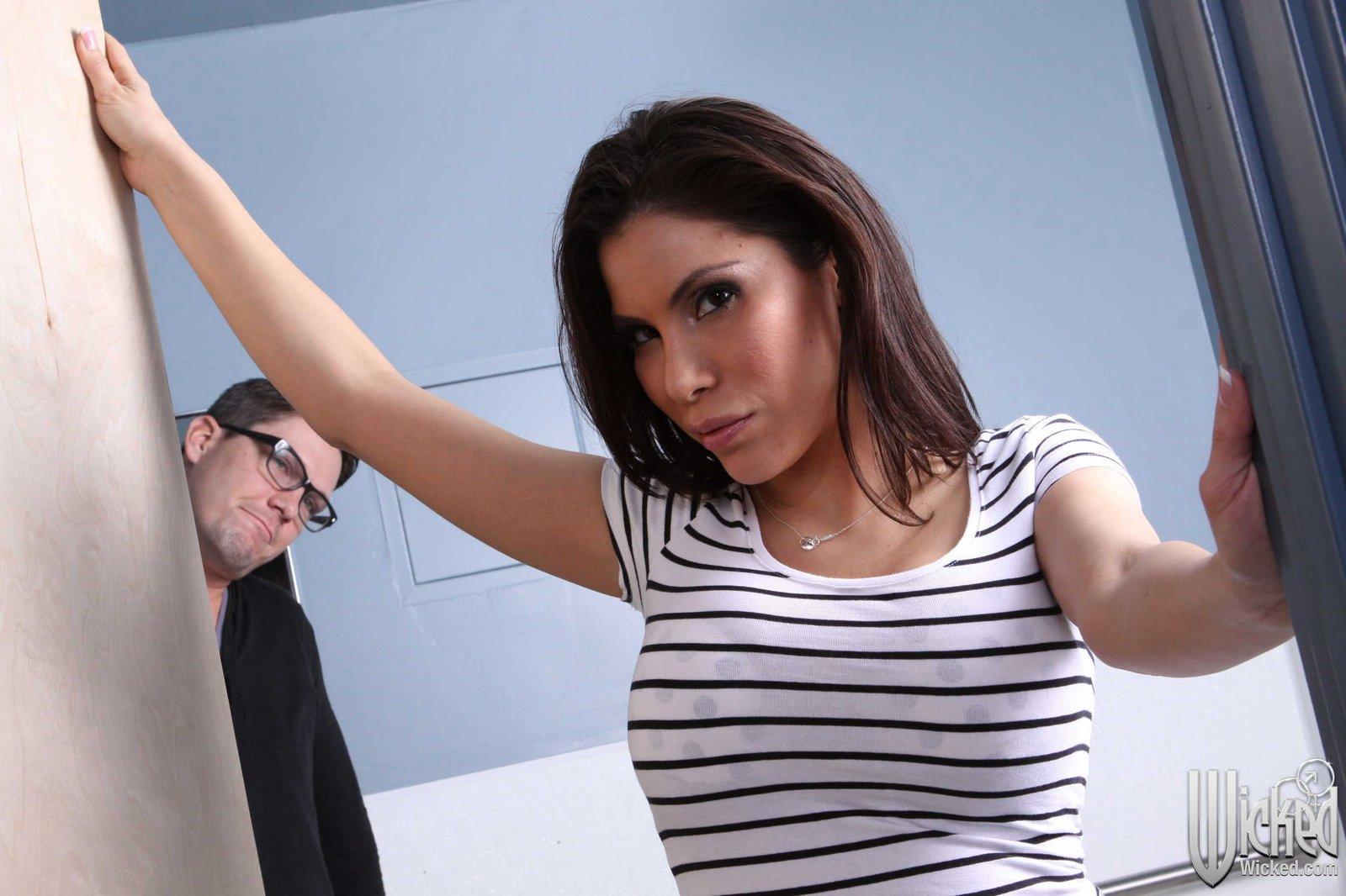 Latina ex-gf Aleksa Nicole fucks her former lover's big dick POV style № 1297357  скачать