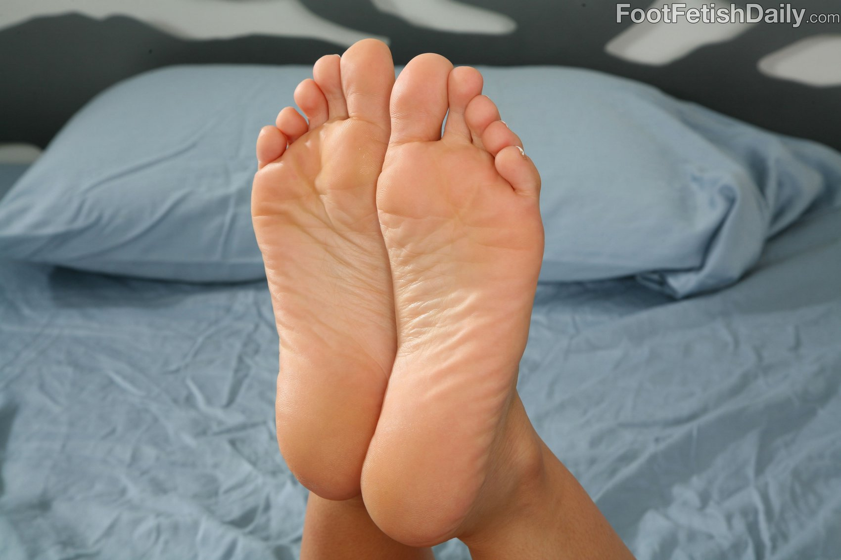 Foot fetish daily alexis breeze essence
