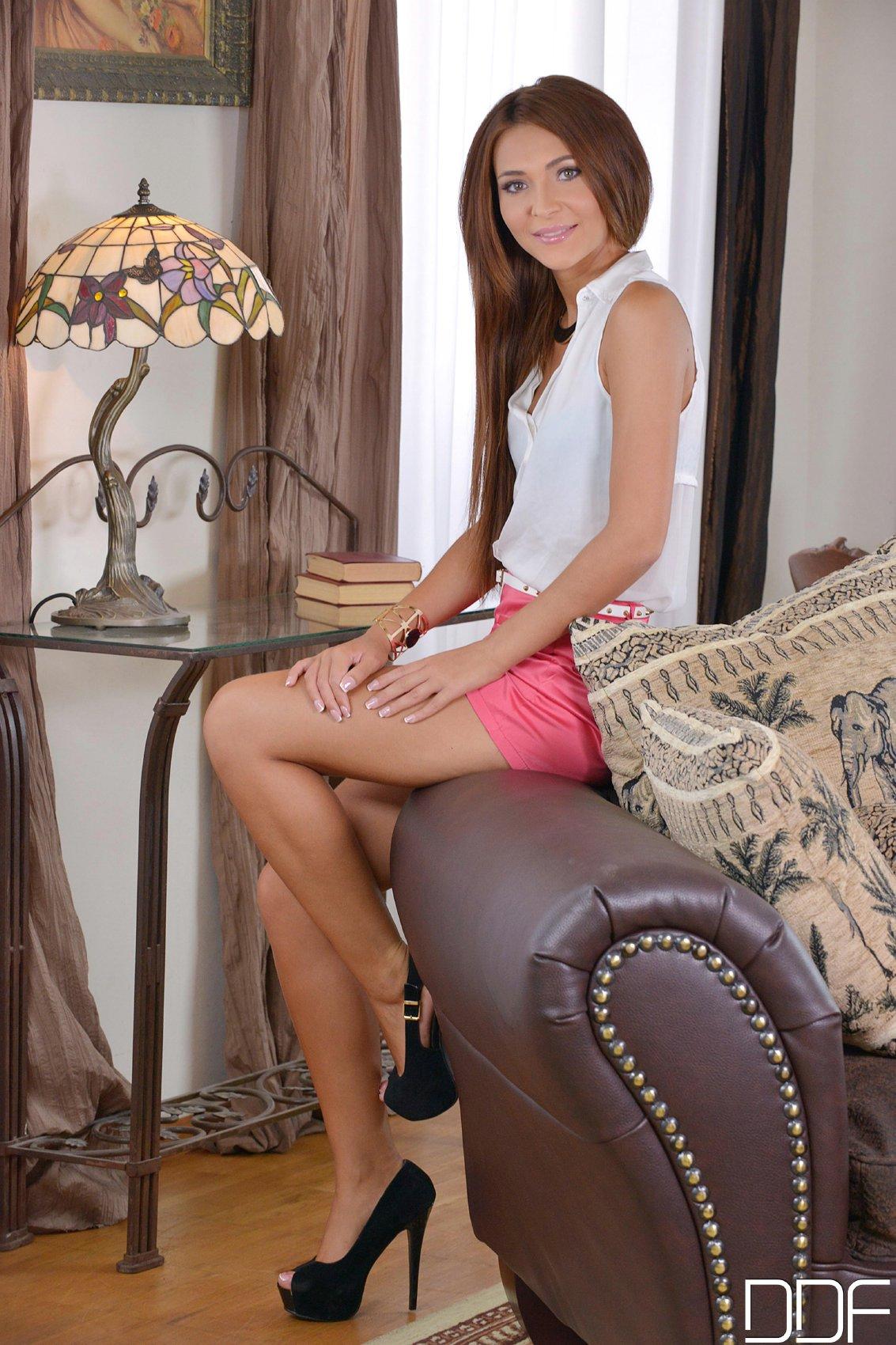 Hot beauty Alexis Brill in sexy heels masturbating - My ...