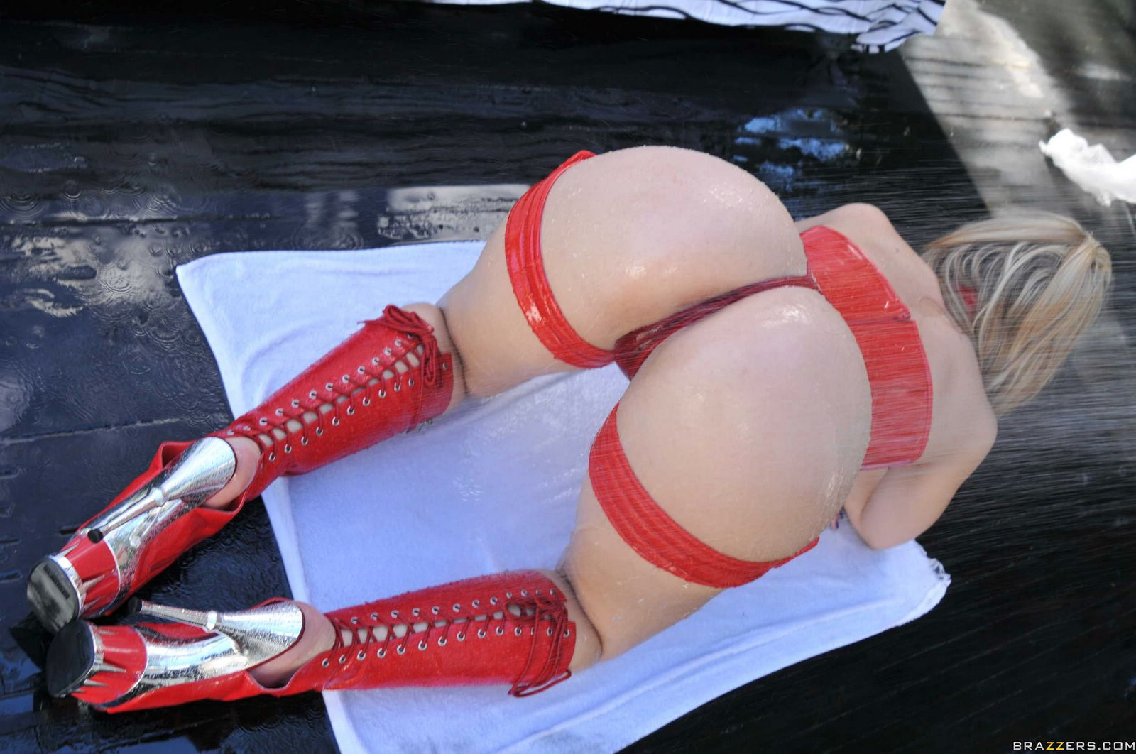 Alexis texas latex