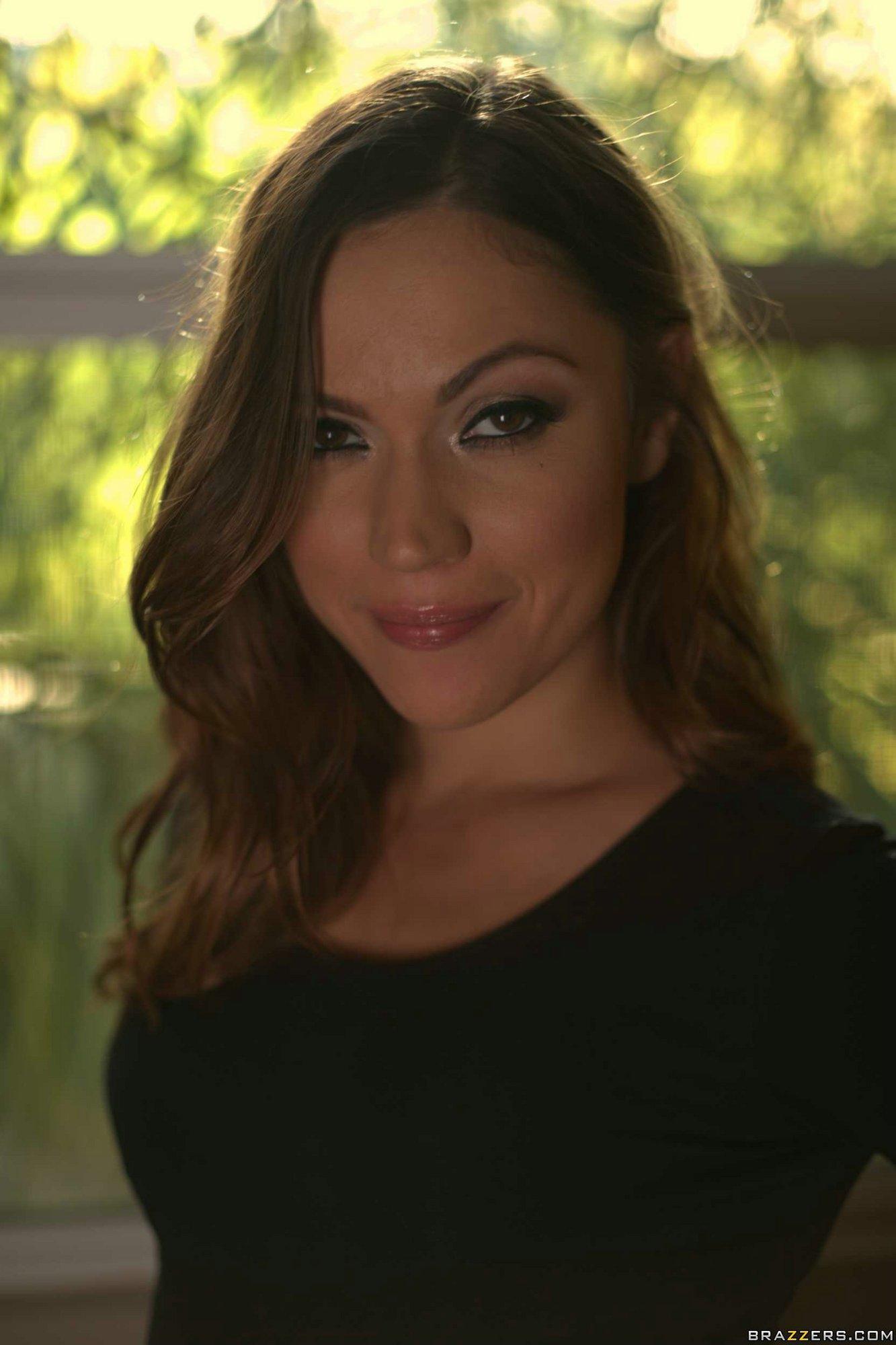 Alyssa Reece Nude Pics gorgeous brunette alyssa reece getting nude - my pornstar book