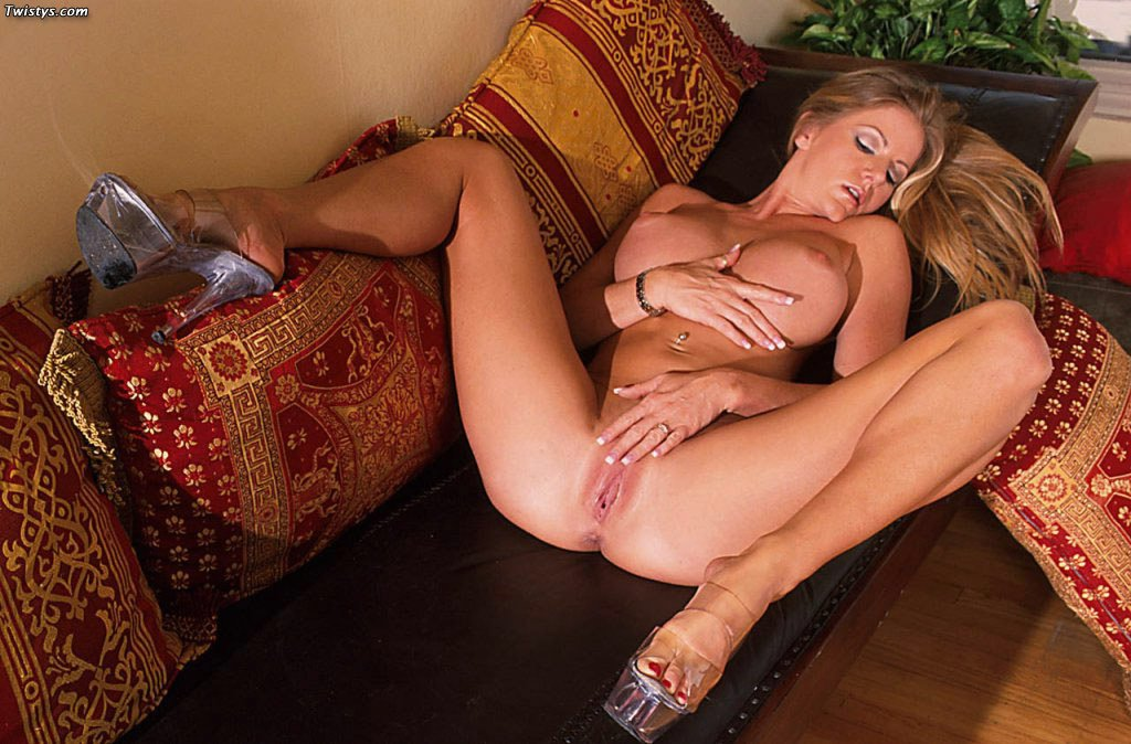 Amber Michaels In Sexy Heels Posing For Your Pleasure - My -8992