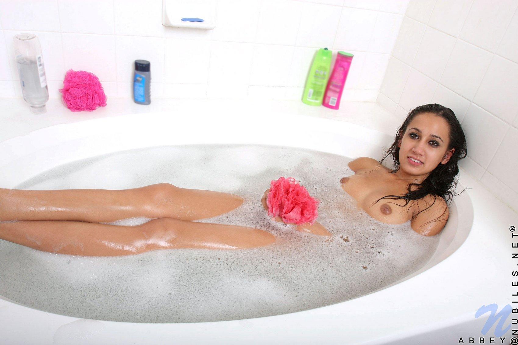 miley bathtub