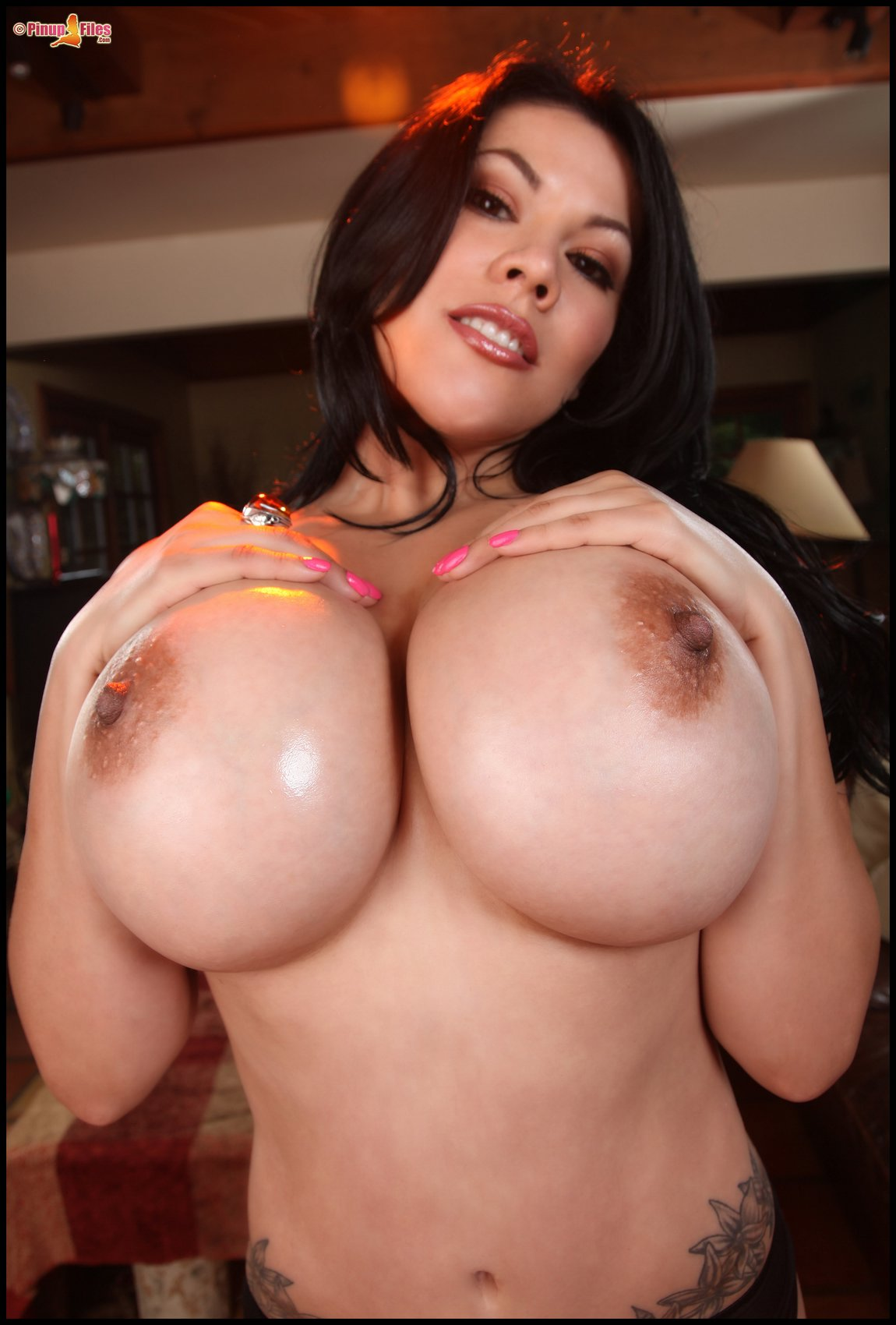 Ana Rica Posing And Showing Off Her Huge Oiled Boobs - My -6391