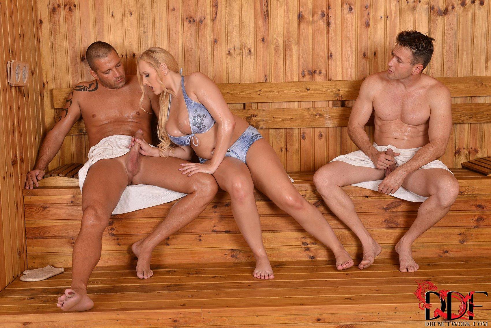 Sex porn in the sauna online