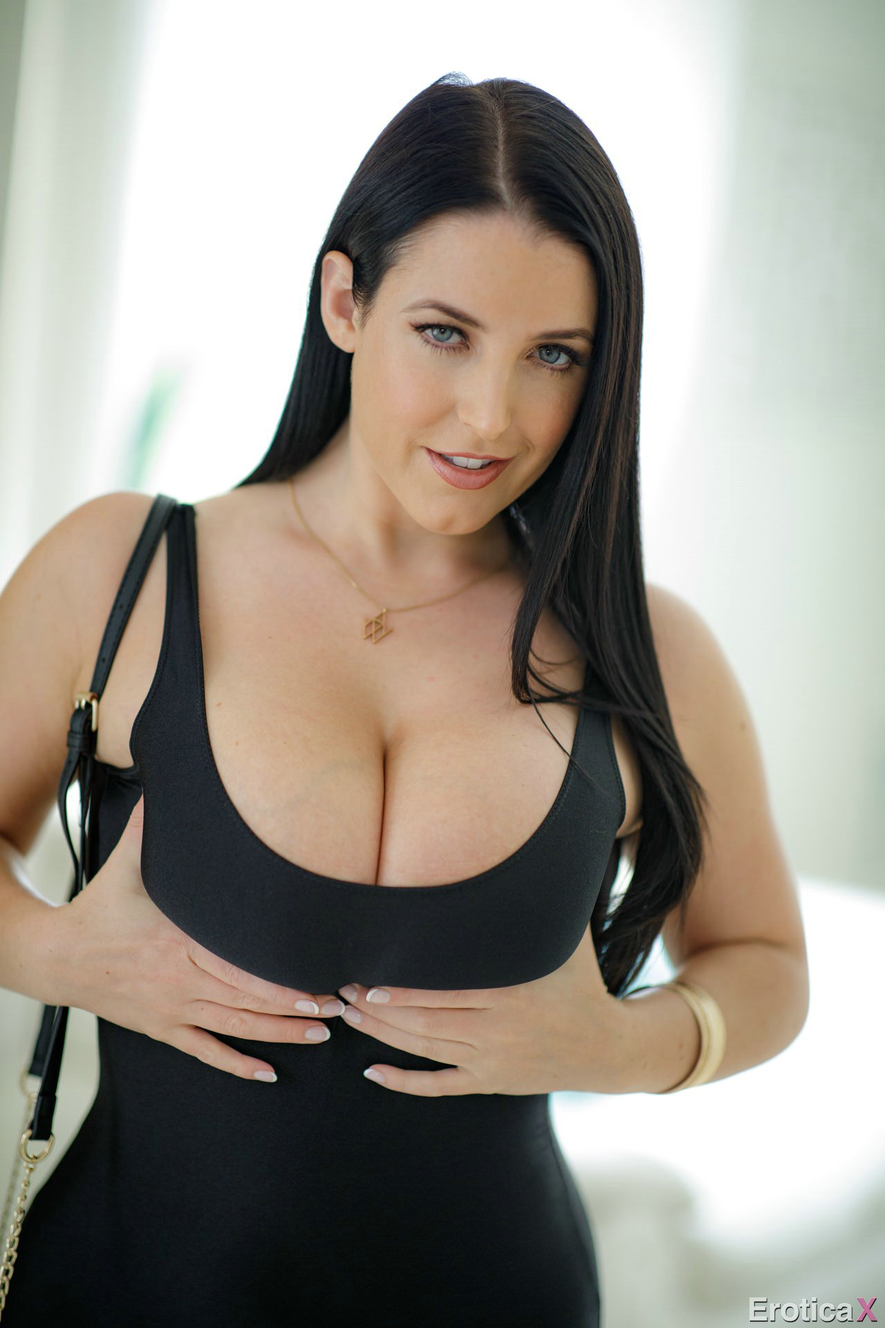Angela White In Sexy Short Dress Strips And Shows Off Her -3370