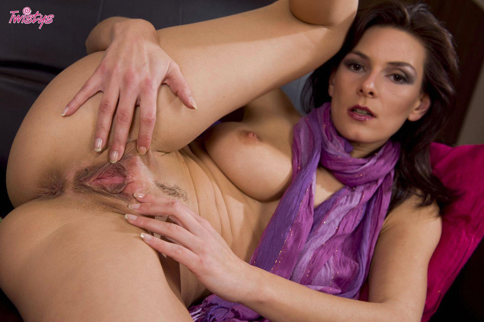Alena chrastinova