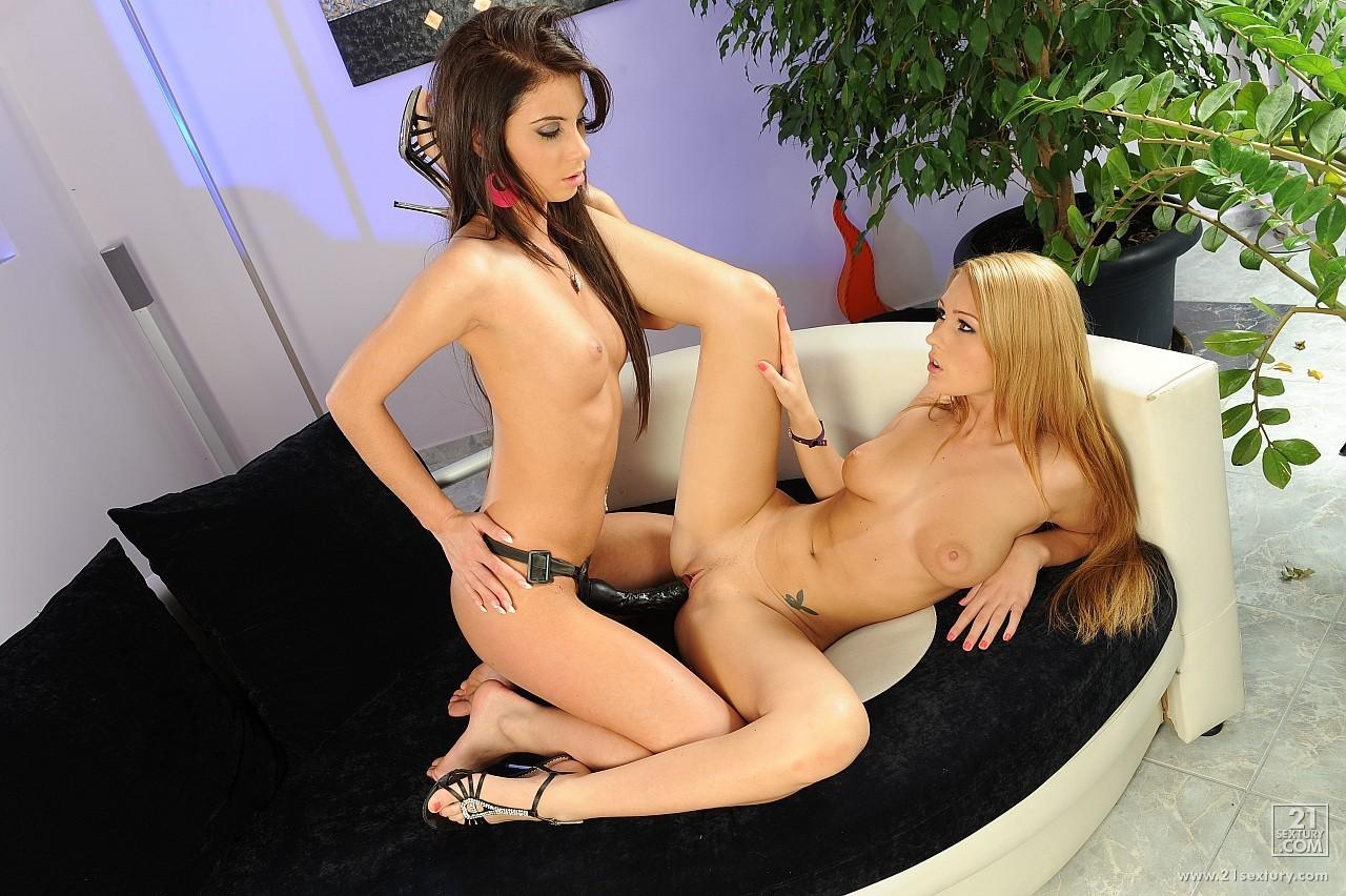 Teen Lesbian Feet Free Xxx Galeries