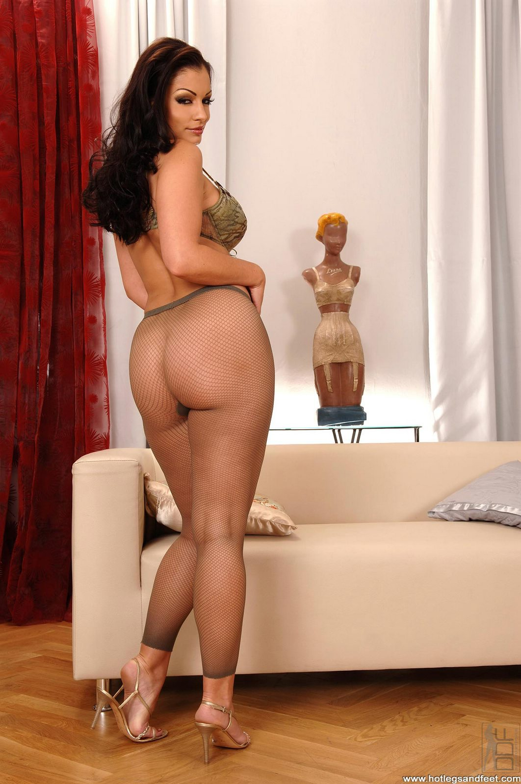 Aria Giovanni posing and showing off her sexy feet - My ...