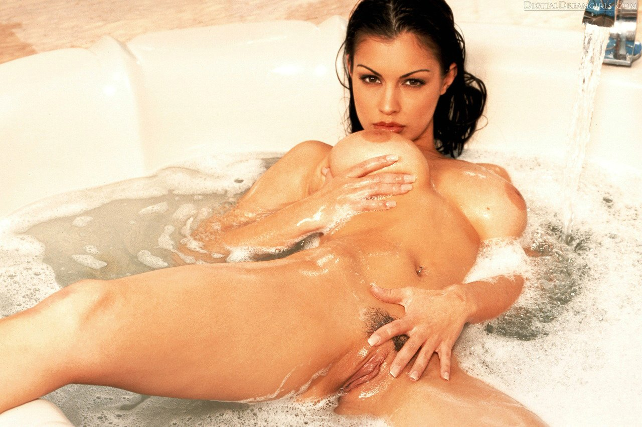 Aria giovanni stunning body in one of her first photo shoots 6
