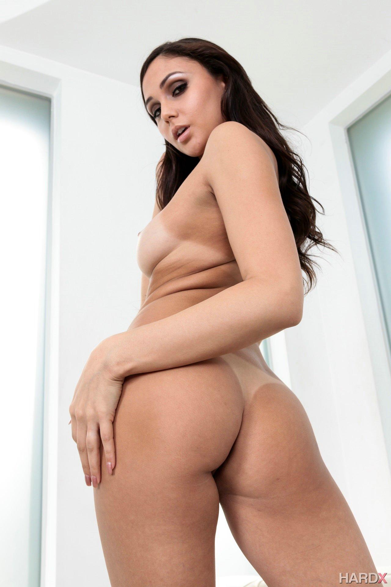 Porn star arianna