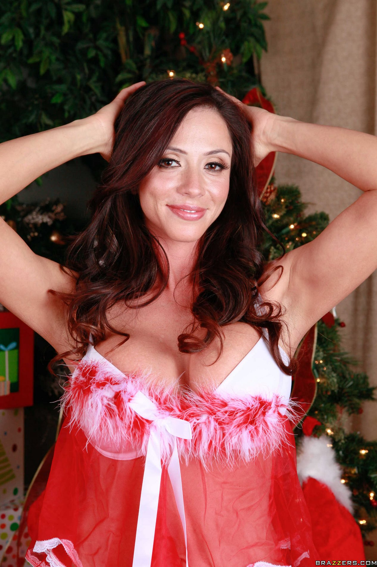 Famous Latina pornstar Ariella Ferrera is always ready to suck cock  1453989