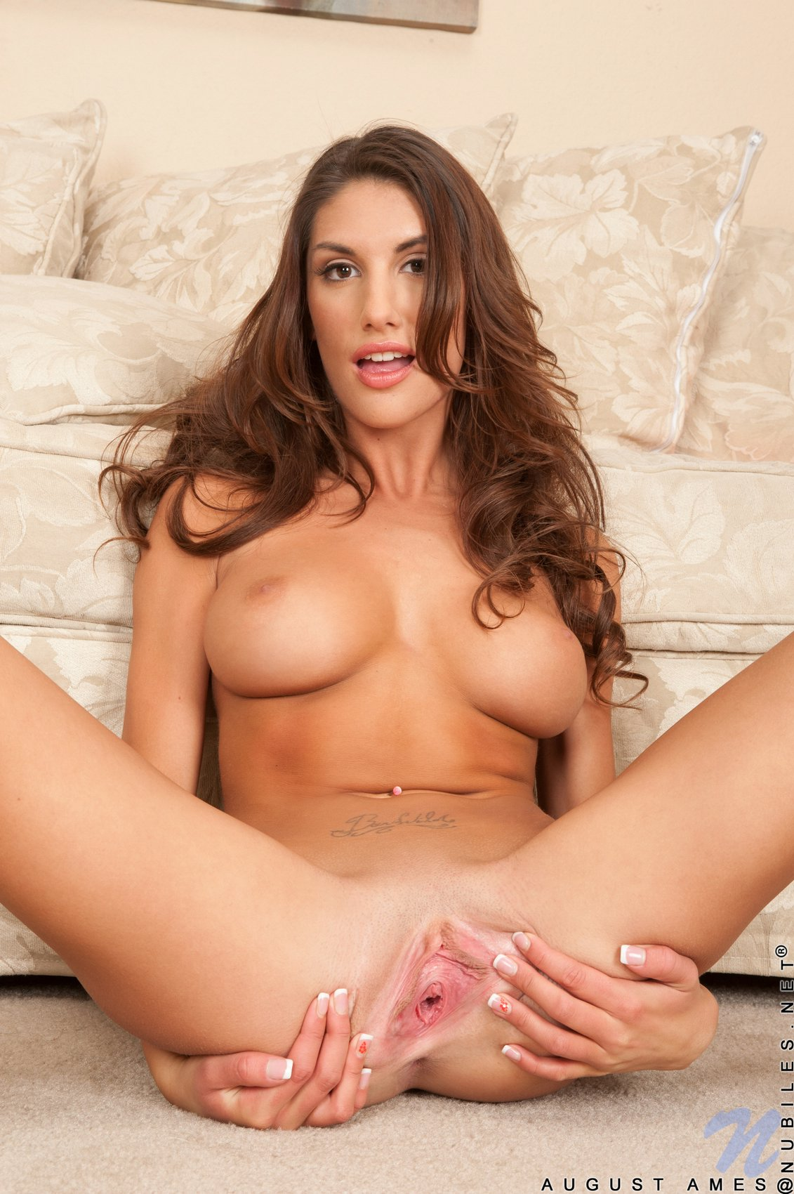 Girls eating pussy august ames