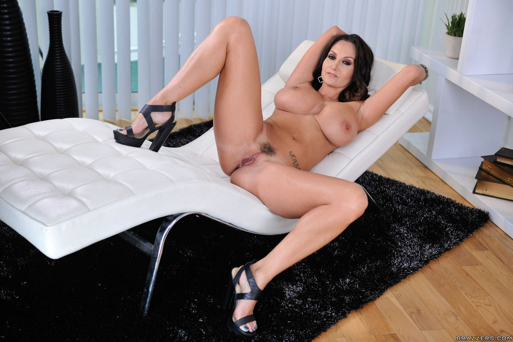 Ava addams stunning body on desk 2