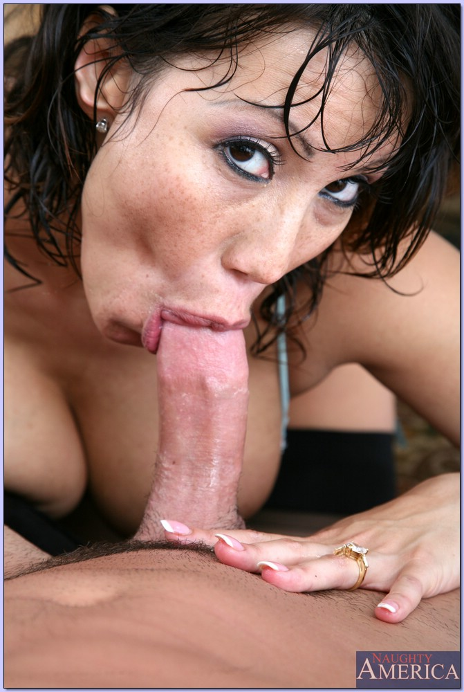 Ava devine blowjobs