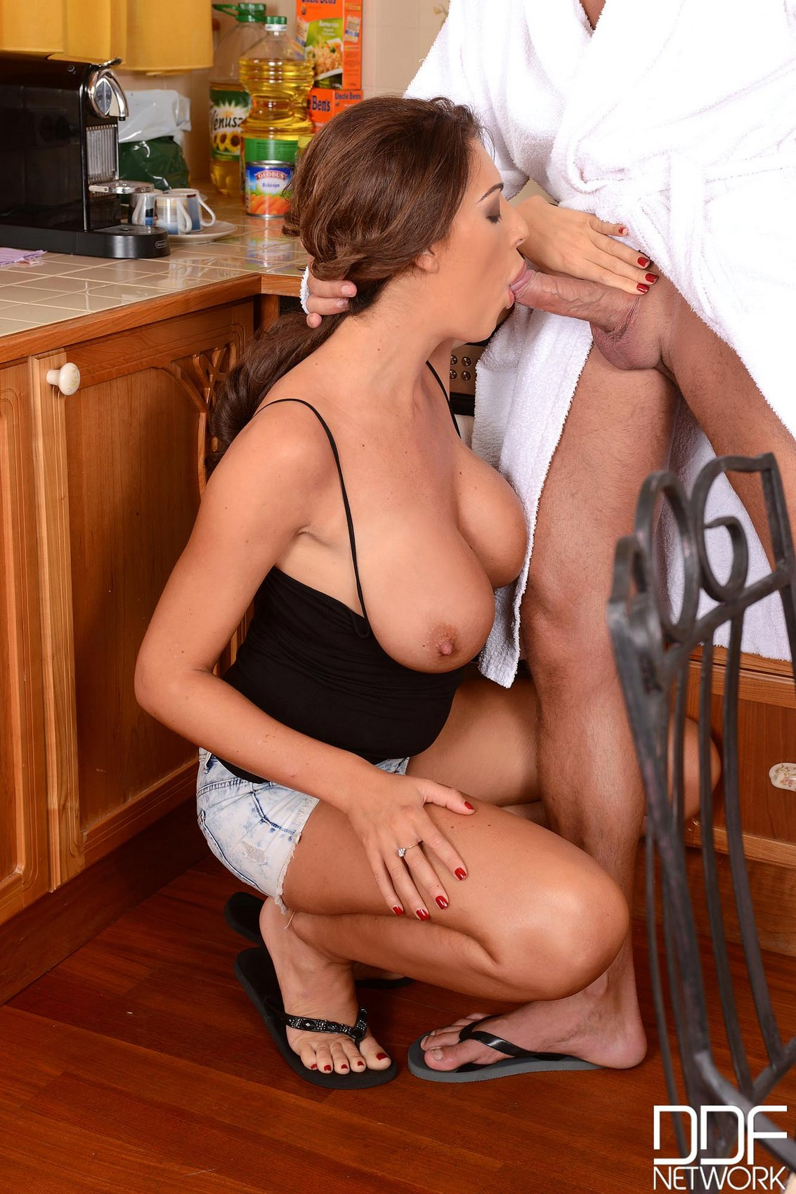 Bondage porn for busty slave performing oral sex under sub 8
