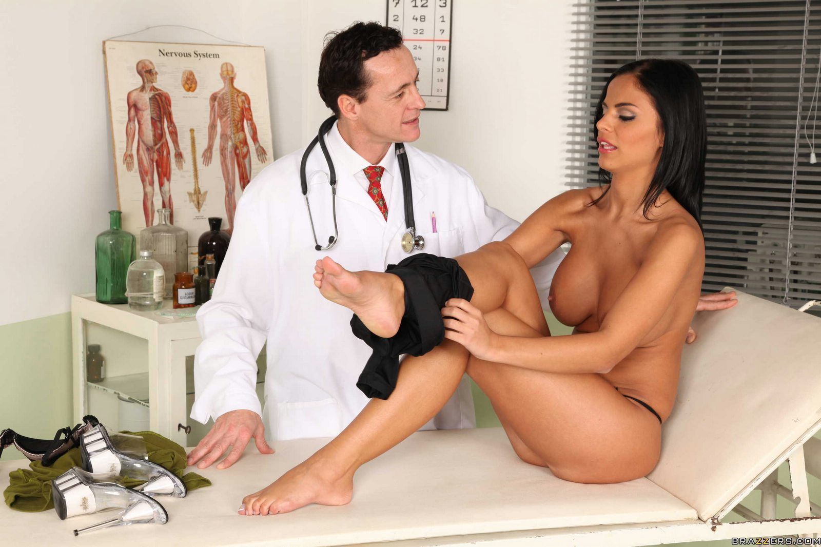Doctors having porn