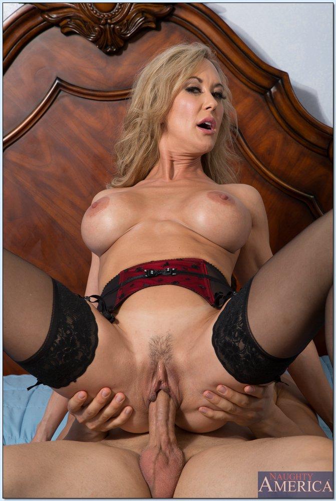 Blonde cougar brandi love fucking a large dick 2