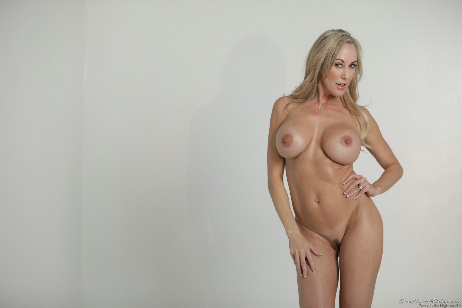 Brandi Love Poses Naked Outdoor