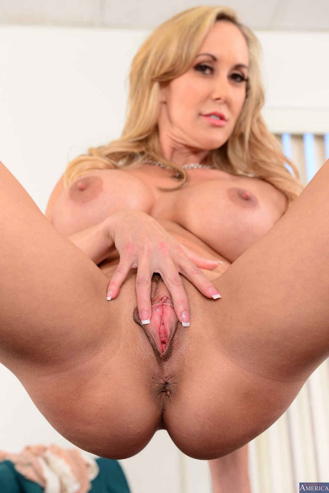 Brandi Love Stripping And Posing In The Office - My -2037