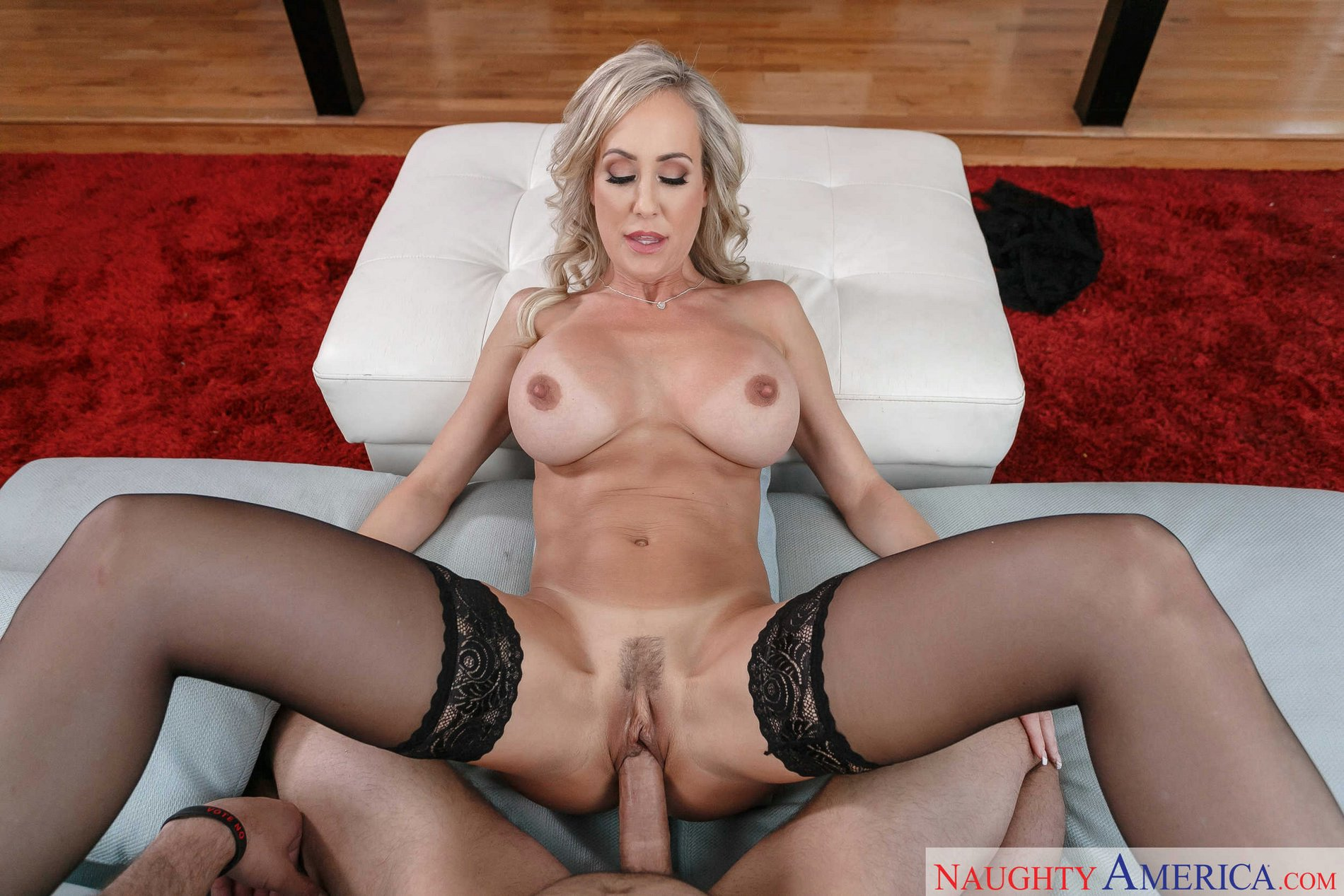 Milf brandi love gives the best massage 8
