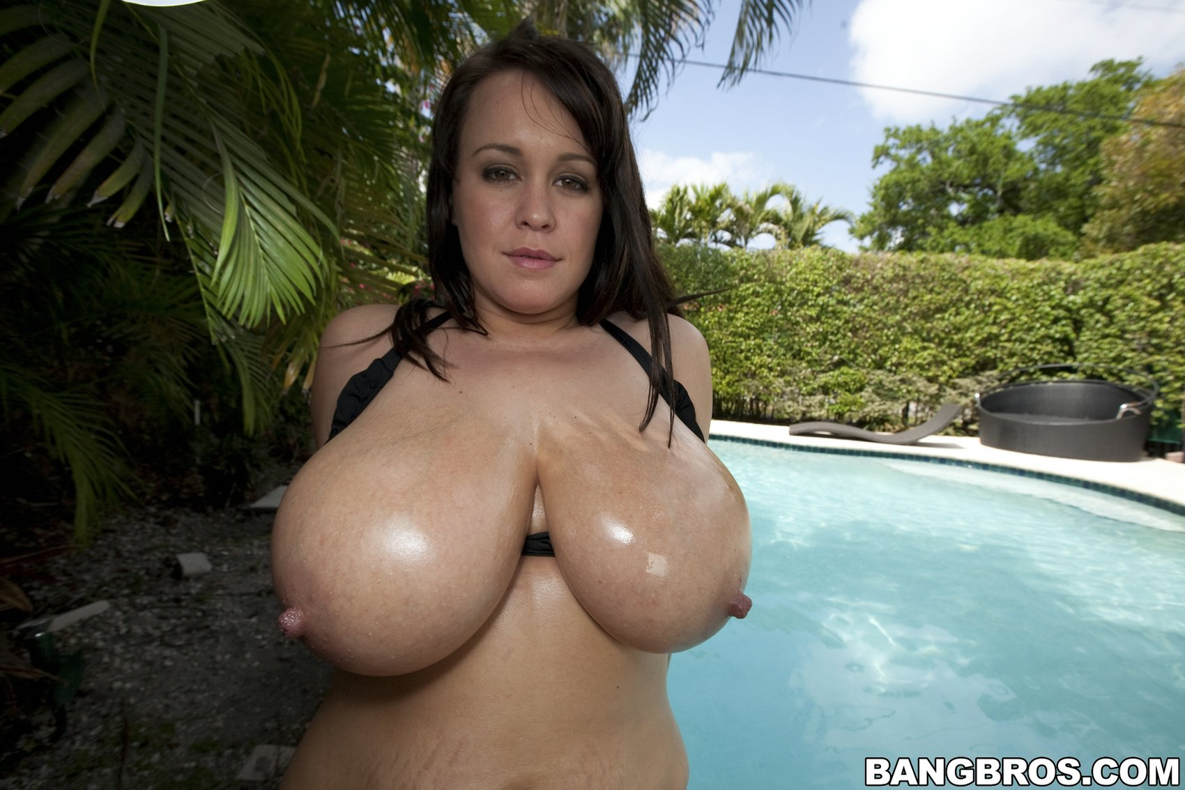 Showing my tits outdoors