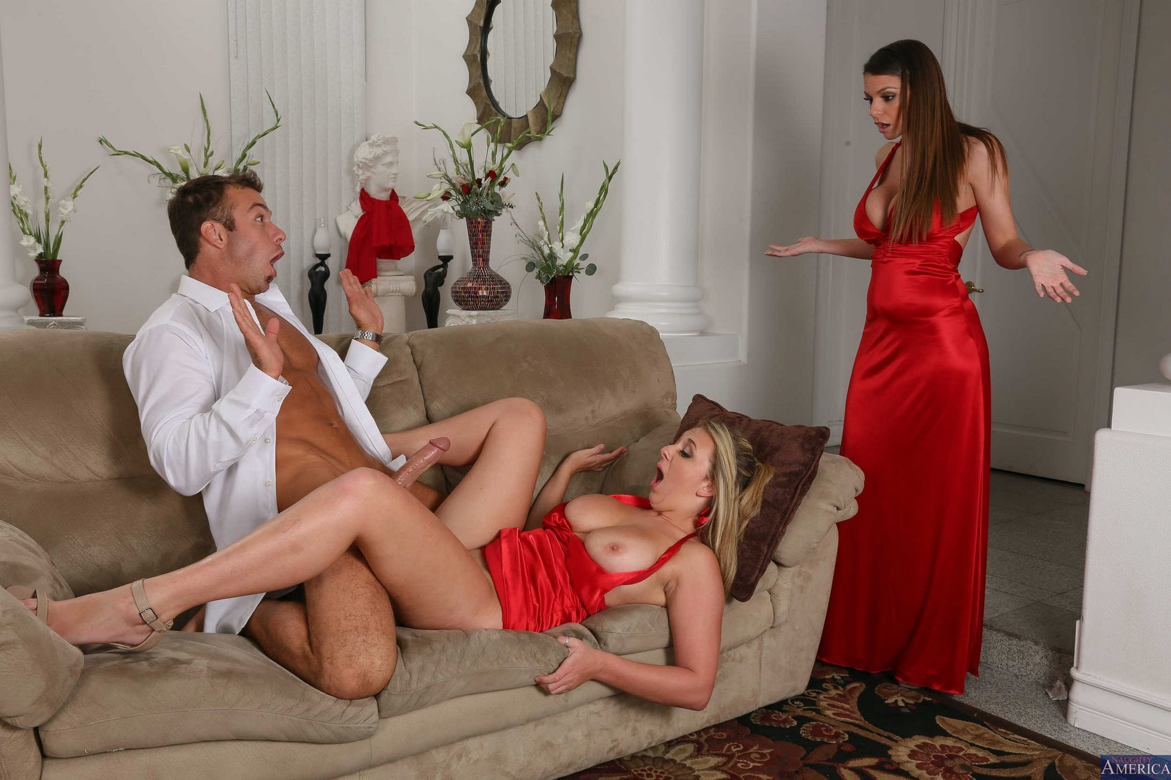 Порно жена привела мужу красивого