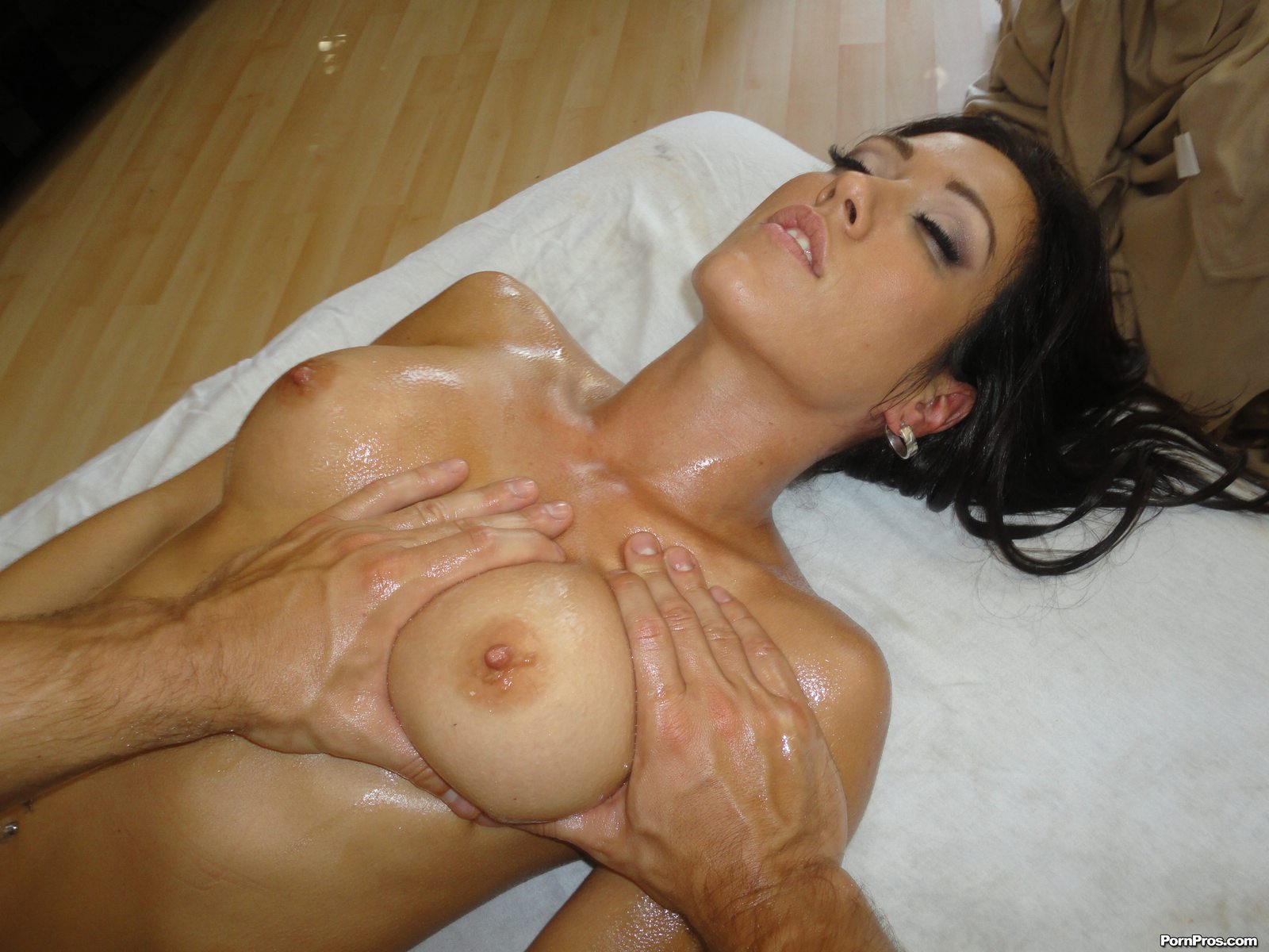 Fucking hot, Capri cavanni massage ass