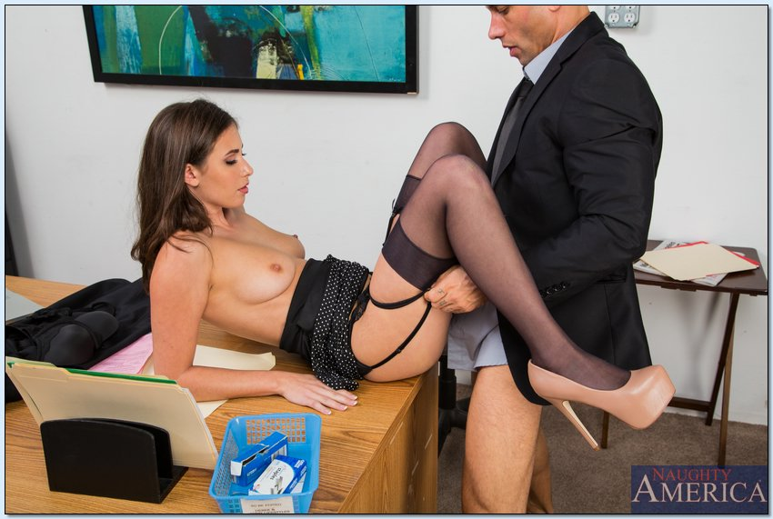 Boss having sex with secretary-671