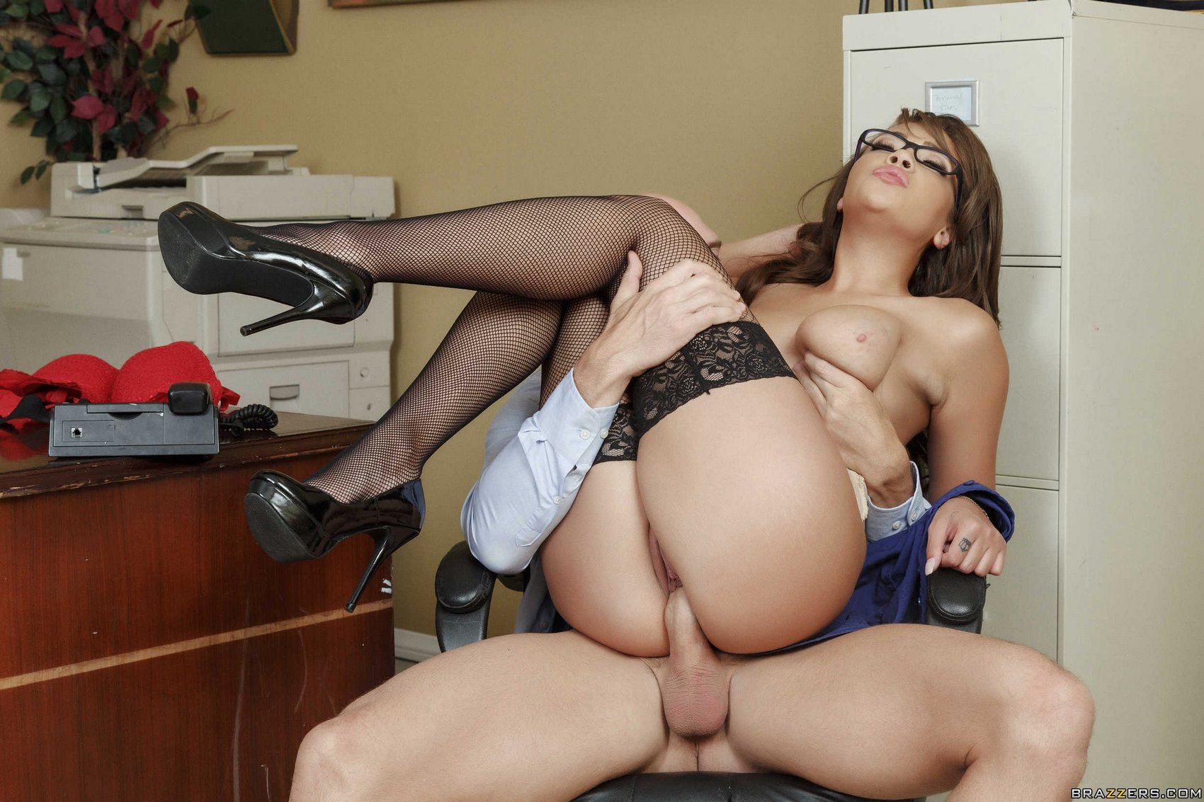 Boss Secretary Free Porn Photo