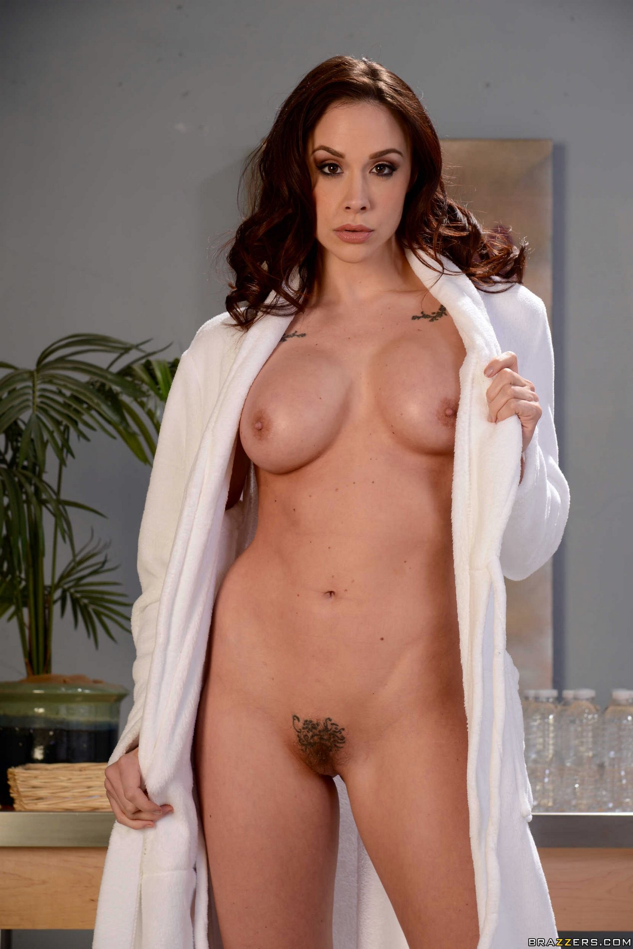 Beautiful redhead Chanel Preston poses naked for camera ...