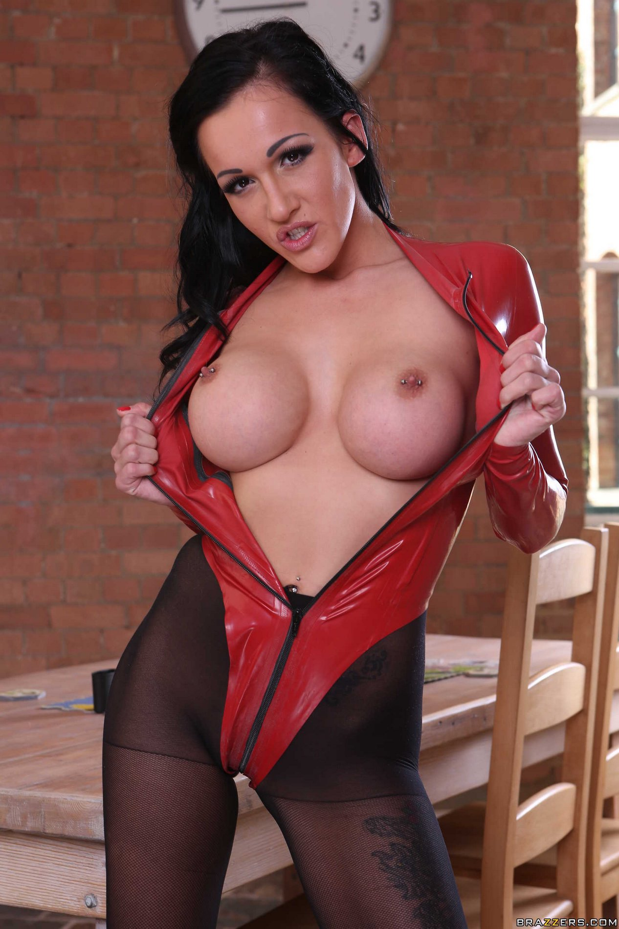 Naughty brunette Chantelle Fox shows off her hot body - My ...
