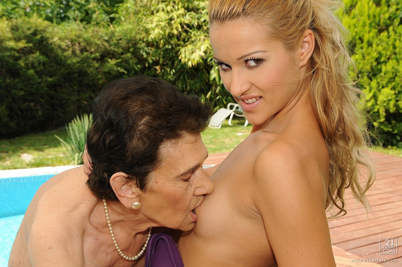 Kiss Granny Porn - Cherry Kiss having hot sex with very old granny outdoor.