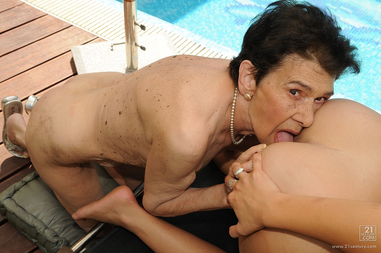 Sex with old granny