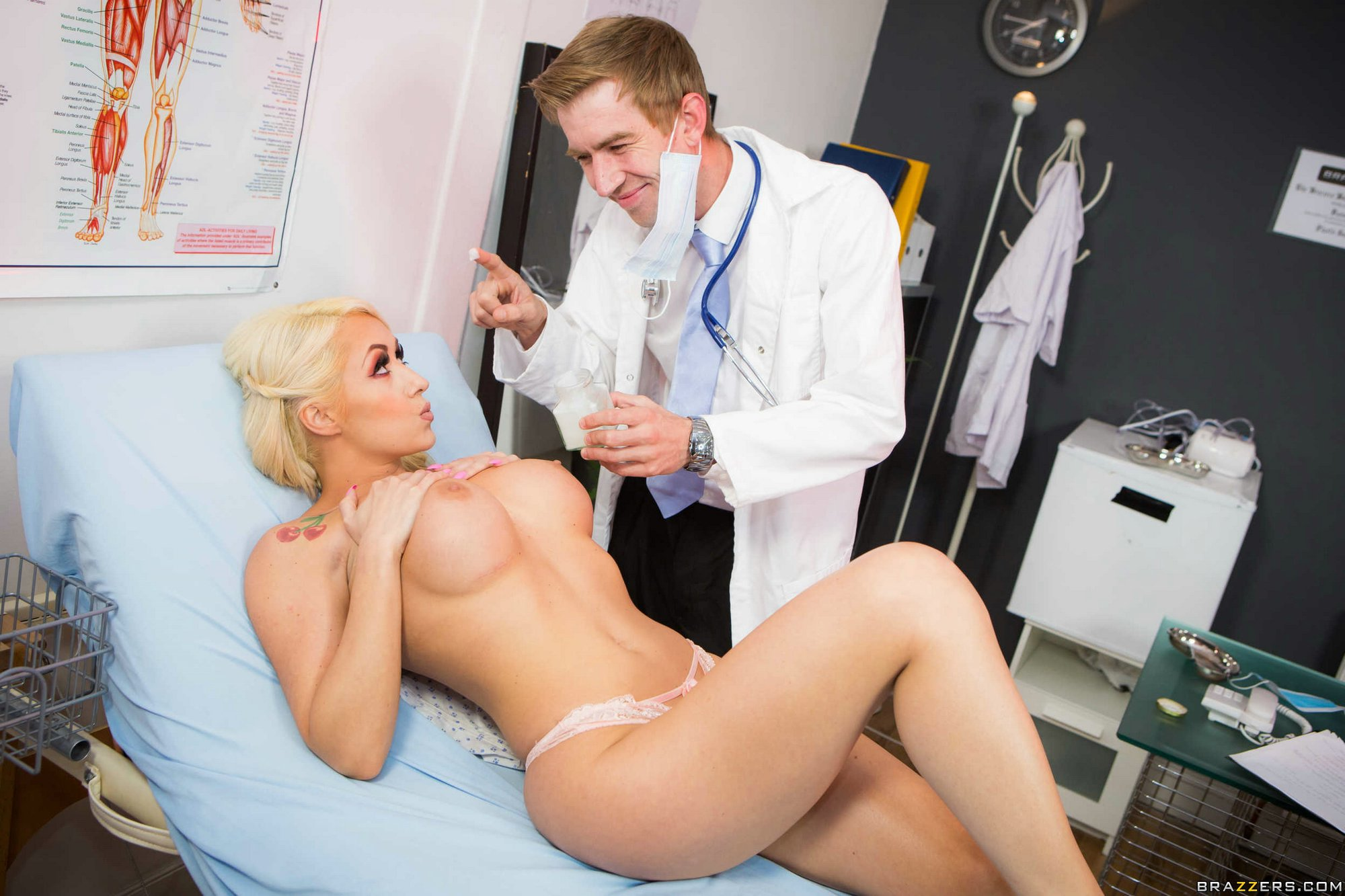 Doctor fucks blonde patient in paddling pool porn clip