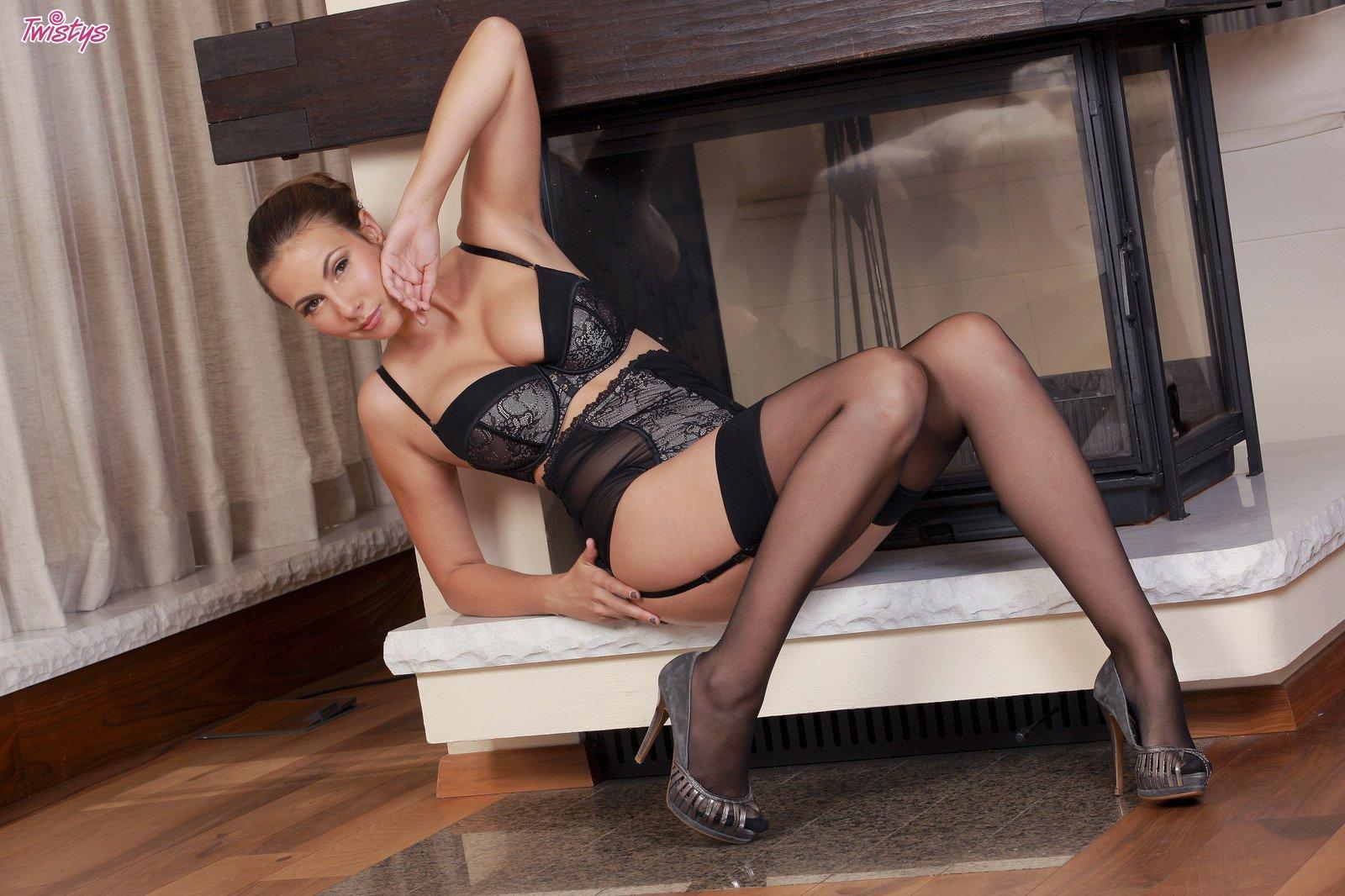 Flirtatious Pose Sexy Lace Garter Bow Garter Stockings The Temptation Black Suit Garters