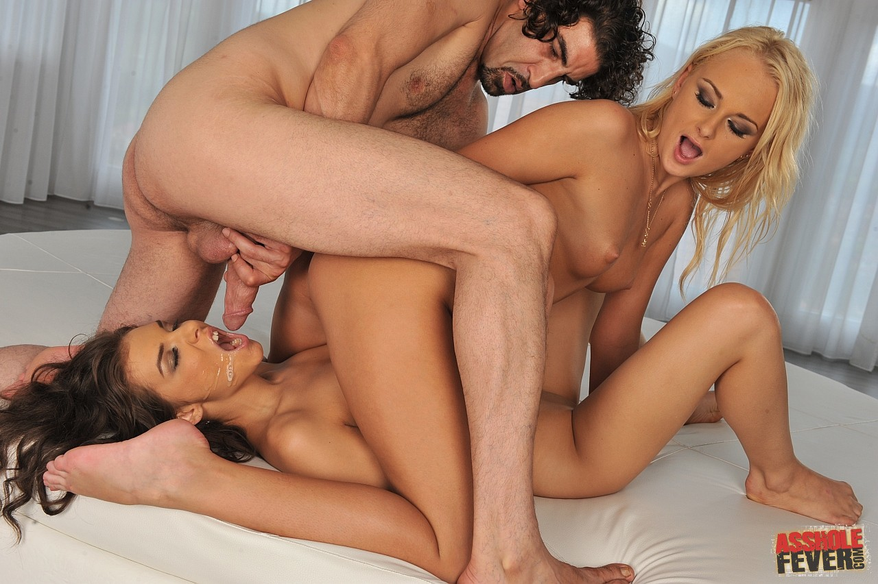Cosette ibarra and skin diamond in threeway fuck