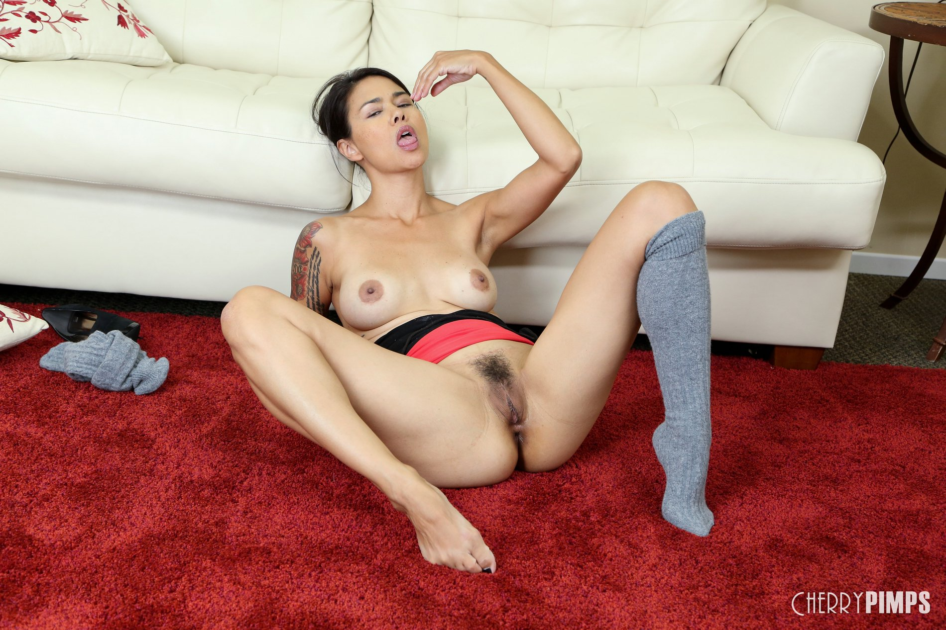 possible naked pussy Kim