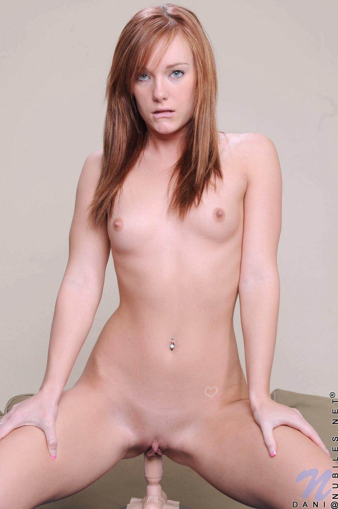 Redhead on sybian