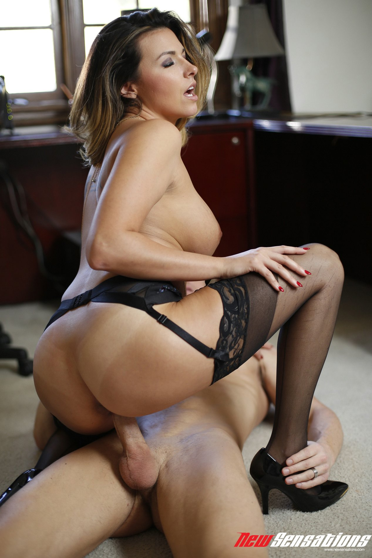 Boss in pantyhose gets what she wants - 3 part 1
