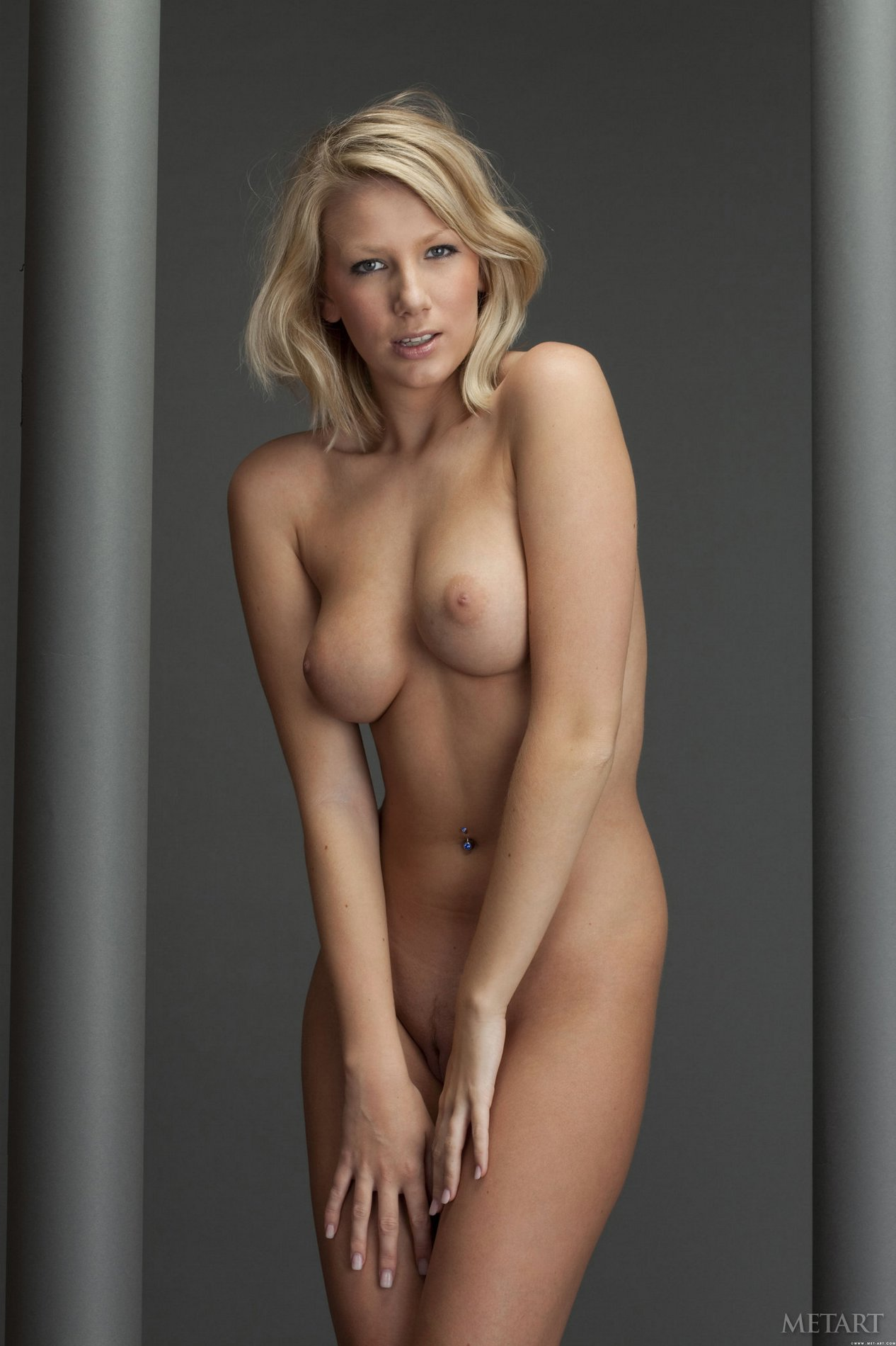Danielle Maye poses naked in front of the camera - My ...