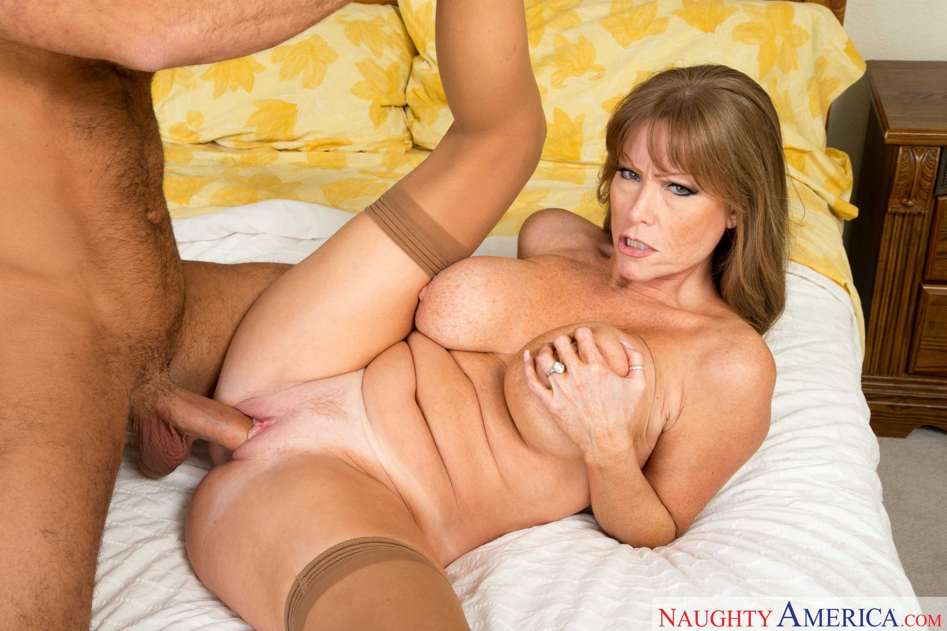 Stockings mature red shoes anal and cumshot - 3 9