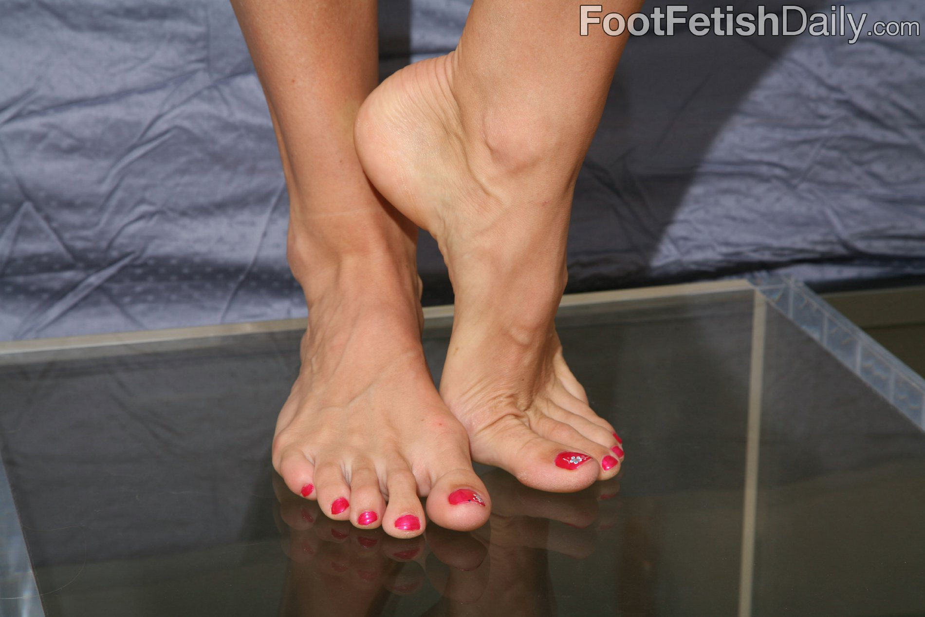 Share your Sexy high arch feet
